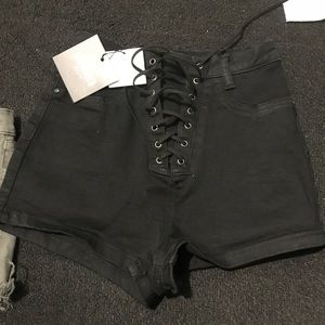 Missguided highwaisted shorts size 4